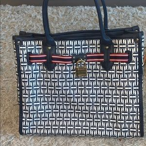 BRAND NEW TOMMY HILFIGER BAG NEVER WORN